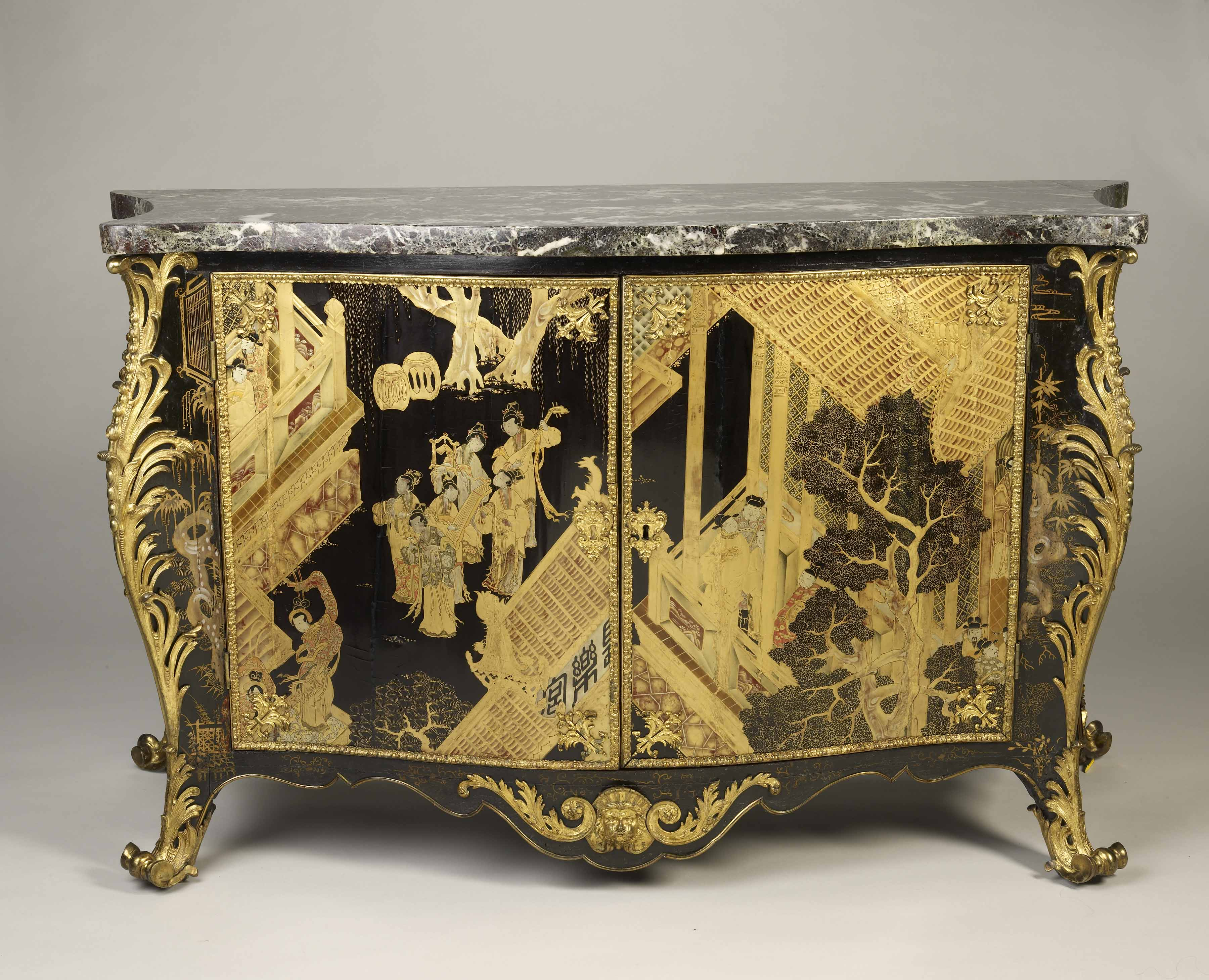 The commode from Horace Walpole\'s Strawberry Hill House, Twickenham ...