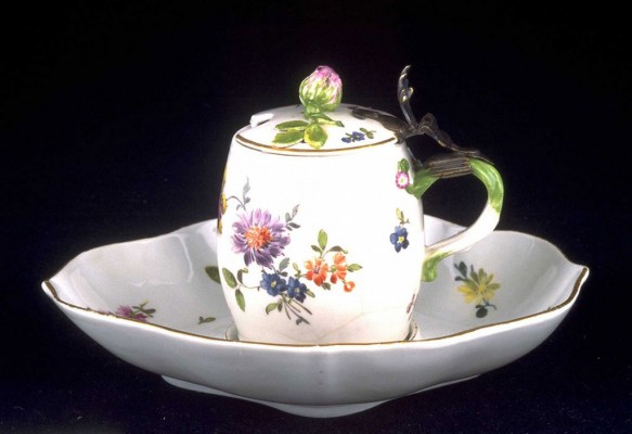 Pot with hinged lid and stand, ca. 1750–1755